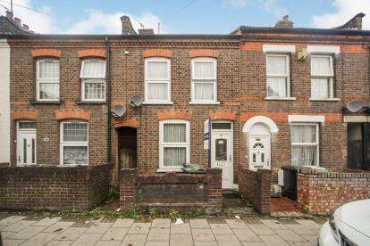 2 Bedrooms Terraced House for sale in Ash Road, Luton, Bedfordshire, England