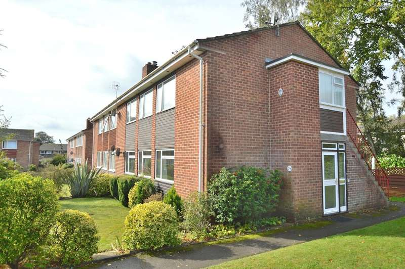 2 Bedrooms Ground Maisonette Flat for sale in Charnwood Close, Chandler's Ford