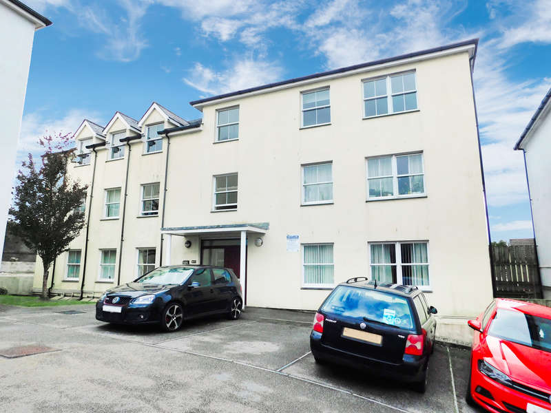 2 Bedrooms Flat for sale in Jadeana Court, St Austell, Cornwall
