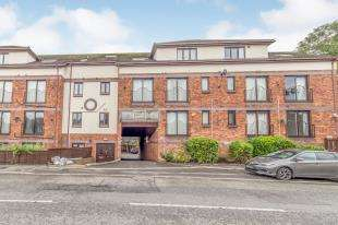 1 Bedroom Flat for sale in Edward Court, Capstone Road, Chatham, Kent