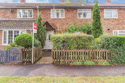 3 Bedrooms Terraced House for sale in Raleigh Crescent, Stevenage, Hertfordshire, England