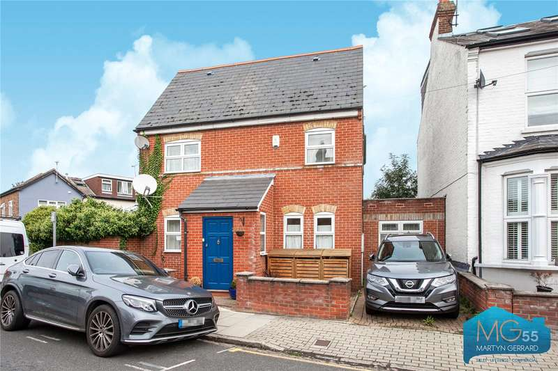 3 Bedrooms Detached House for sale in Carnarvon Road, Barnet, Hertfordshire, EN5