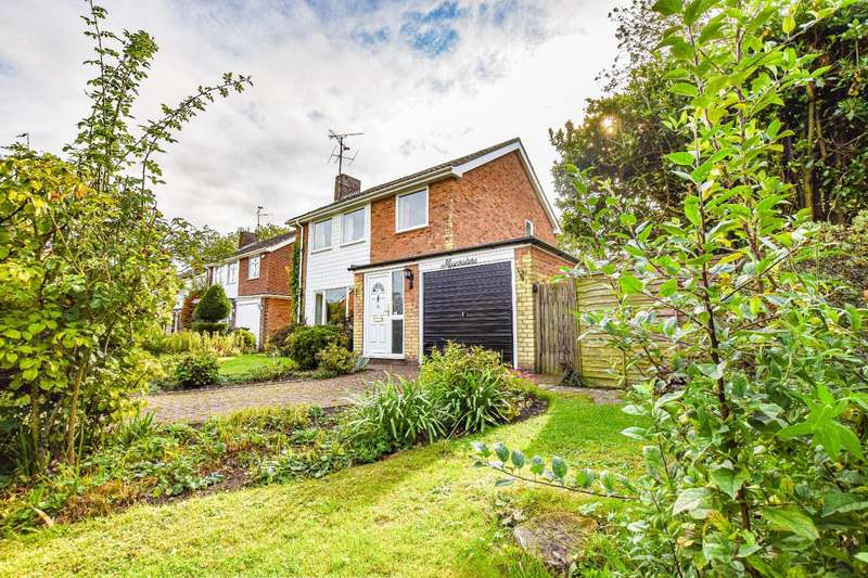 3 Bedrooms Detached House for sale in Star Mead, Thaxted, Dunmow