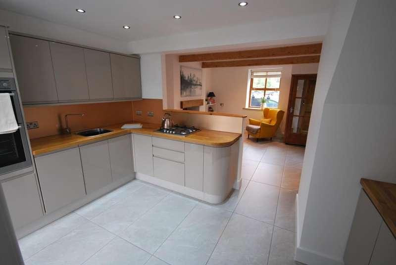 3 Bedrooms Terraced House for sale in Aitken Street, Irwell Vale