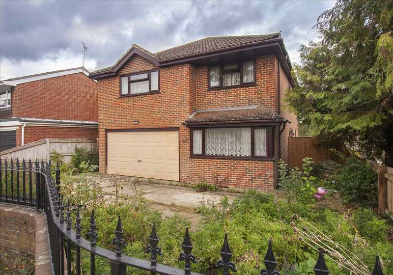 4 Bedrooms Detached House for sale in Tally Ho Road, Shadoxhurst, Ashford, Kent, TN26 1HW