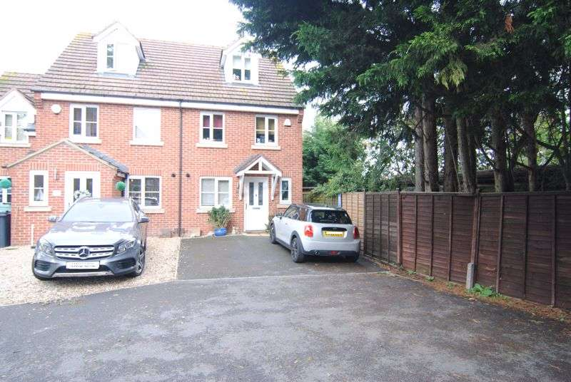 4 Bedrooms Property for sale in Country View, Gloucester