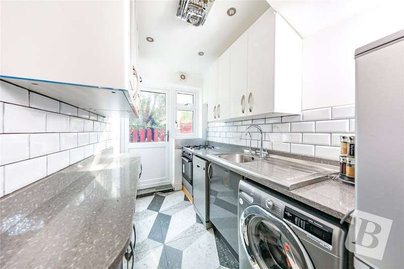2 Bedrooms Terraced House for sale in Marlborough Road, Dagenham, RM8