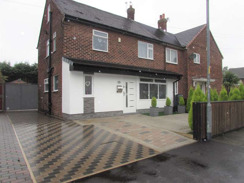 3 Bedrooms End Of Terrace House for sale in Pewsey Road, Manchester, M22