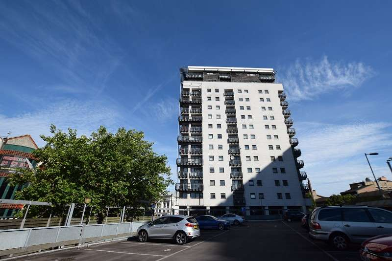 2 Bedrooms Apartment Flat for rent in The Aspect Queen Street, Cardiff. CF10 2GP