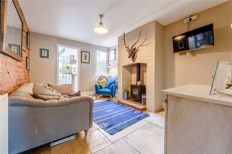 3 Bedrooms Terraced House for sale in Cheltenham Road, Cirencester, GL7