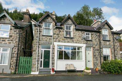 2 Bedrooms Semi Detached House for sale in Trefriw, Conwy, ., North Wales, LL27