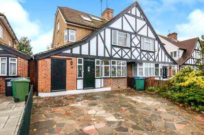 4 Bedrooms Semi Detached House for sale in Tudor Avenue, Watford, Hertfordshire, .