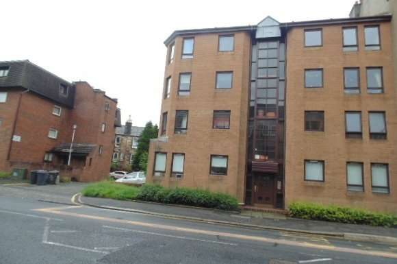 2 Bedrooms Flat for rent in Neilston Road, Paisley