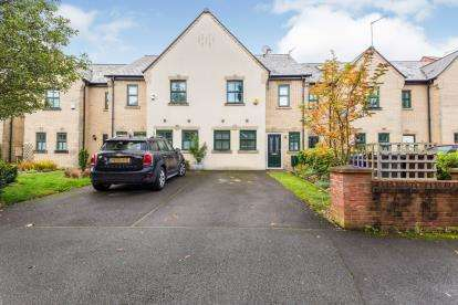 3 Bedrooms Terraced House for sale in Schuster Road, Manchester, Greater Manchester, Uk