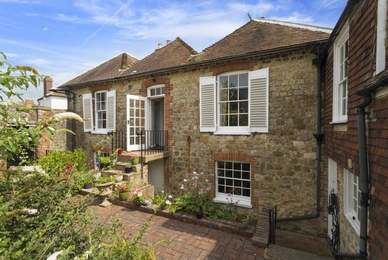 4 Bedrooms Detached House for sale in Stade Street, Hythe, CT21