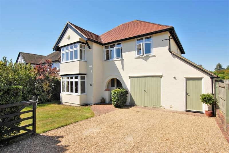 4 Bedrooms Detached House for sale in Brockhill Road, Hythe, CT21