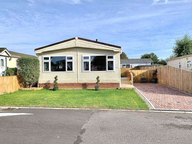 2 Bedrooms Mobile Home for sale in Grange Park Mobile Homes, Shamblehurst Lane South, Hedge End
