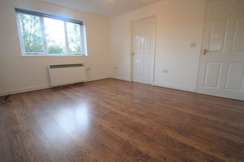 2 Bedrooms Flat for sale in Nottage Crescent, Braintree