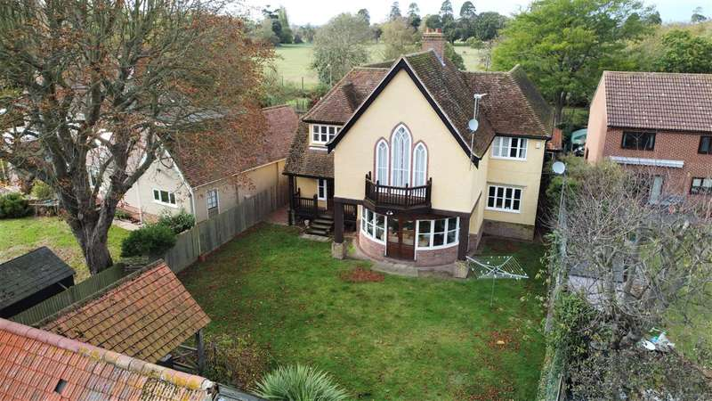 4 Bedrooms Detached House for sale in The Folly, Colchester Road, St Osyth