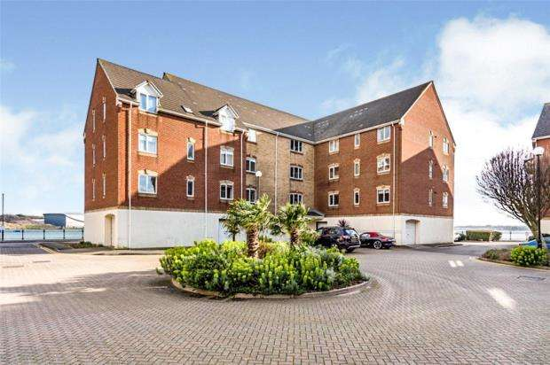 2 Bedrooms Apartment Flat for sale in Pacific Close, Ocean Village, Southampton