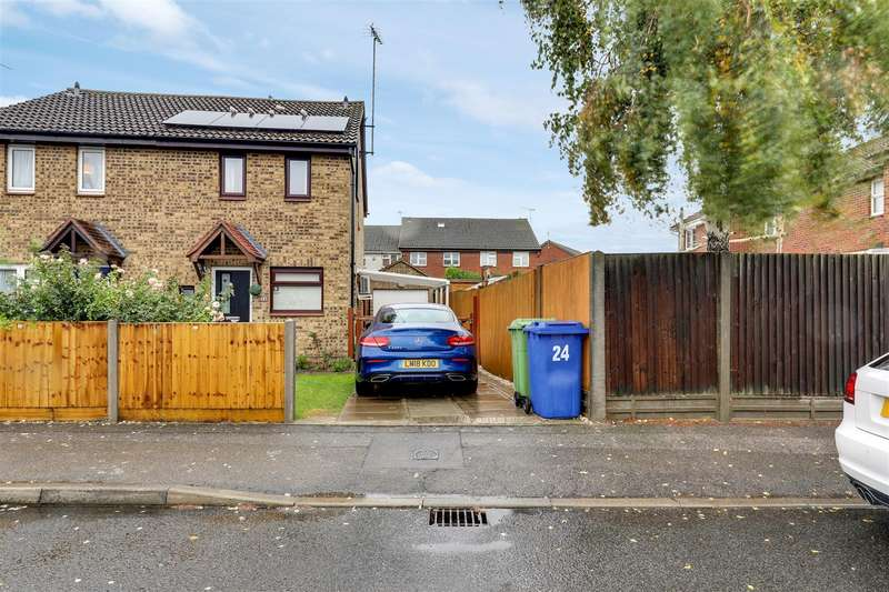 2 Bedrooms Semi Detached House for sale in Diligent Drive, Sittingbourne