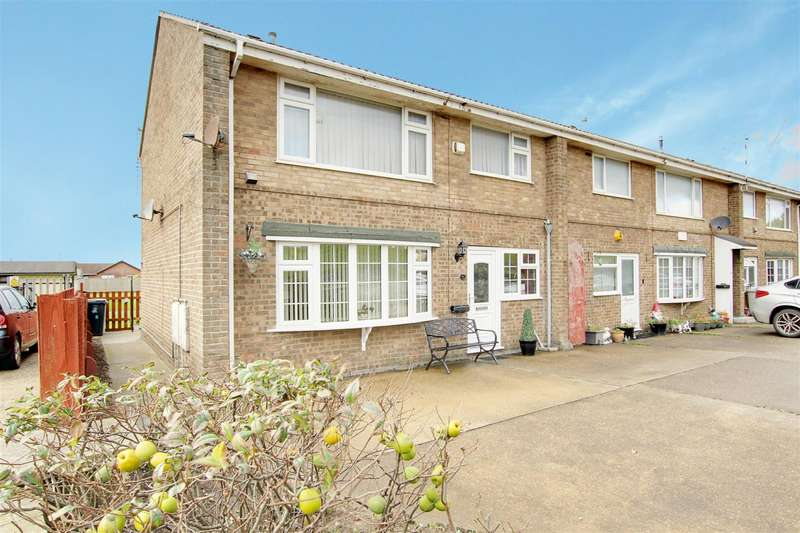2 Bedrooms Flat for sale in Tudor Court, Seaholme Road