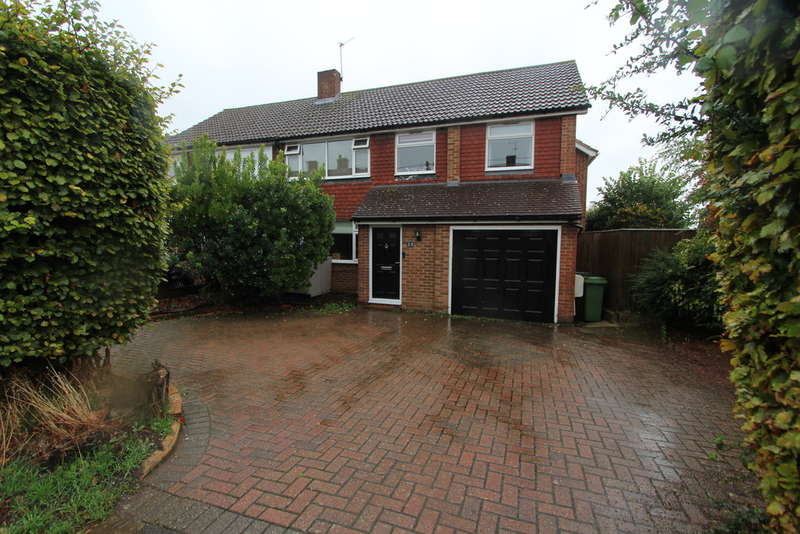 5 Bedrooms Semi Detached House for sale in Claremont Road, Hextable, Swanley
