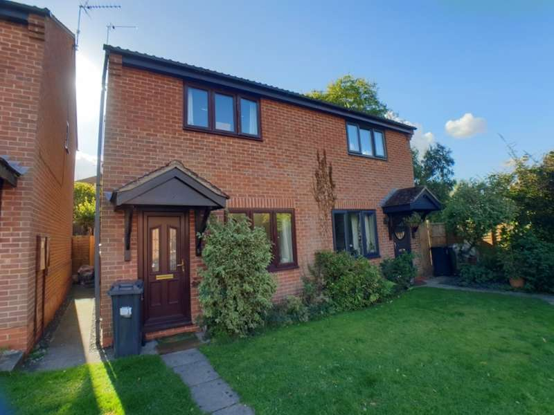 2 Bedrooms Semi Detached House for rent in Millbank Mews, Kenilworth