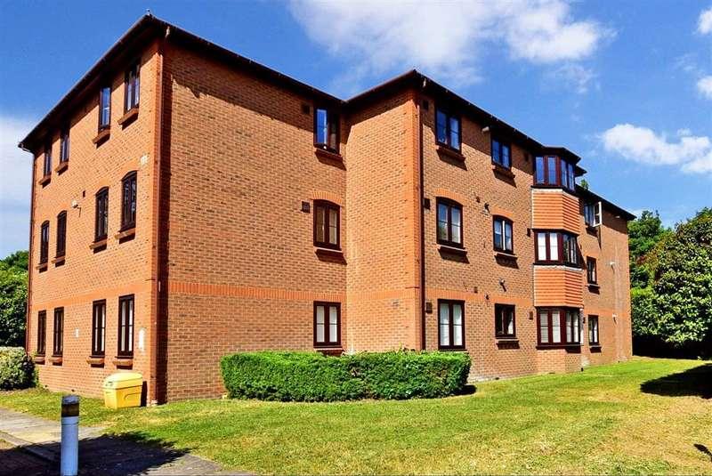 2 Bedrooms Flat for sale in Hadlow Road, , Tonbridge, Kent