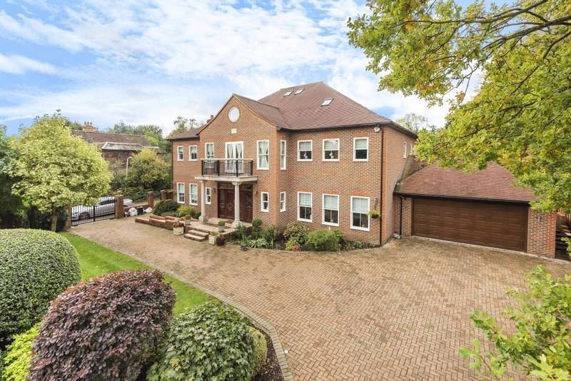 9 Bedrooms Detached House for sale in Linksway, Northwood, HA6