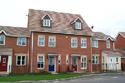 3 Bedrooms House for rent in Larkhill Road, Yeovil, Somerset, BA21