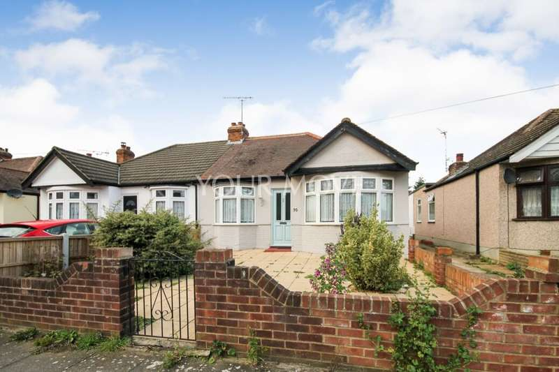 2 Bedrooms Semi Detached Bungalow for sale in Redriff Road, Romford, RM7