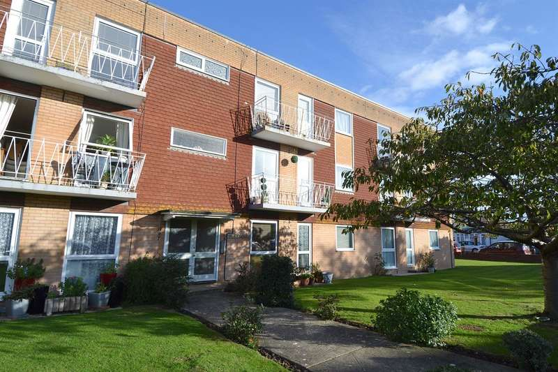 2 Bedrooms Flat for sale in Northwood Road, Tankerton, Whitstable