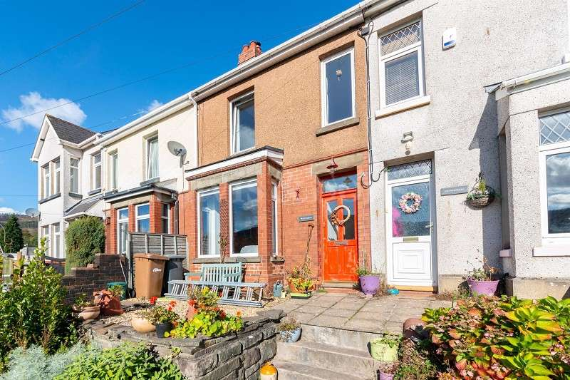 2 Bedrooms Terraced House for sale in Church Road, Risca, Newport. NP11
