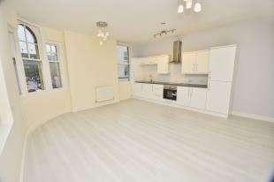 2 Bedrooms Flat for sale in Worthington Street, Dover, Kent