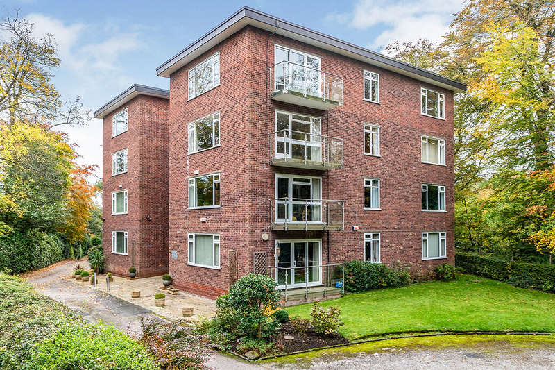 3 Bedrooms Flat for sale in Chatsworth Road, Worsley, M28