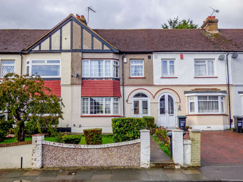 3 Bedrooms Terraced House for sale in Lamorna Avenue, Gravesend, Kent