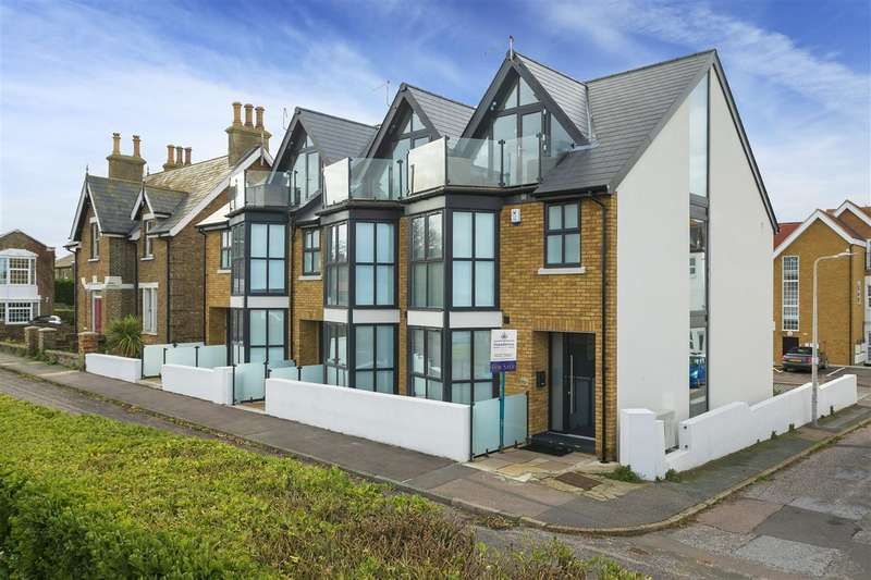 4 Bedrooms End Of Terrace House for sale in Sandy Villas, Old Boundary Road, Westgate-on-Sea