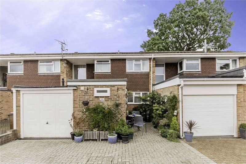3 Bedrooms Terraced House for sale in Clavell Close, Rainham, Kent, ME8