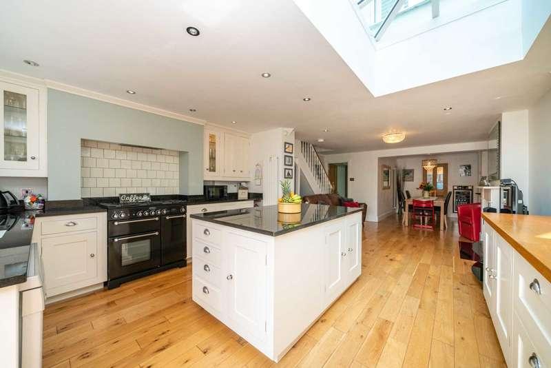 4 Bedrooms Detached House for sale in Horsecroft Road, Boxmoor