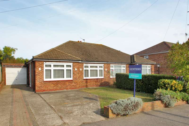 2 Bedrooms Semi Detached Bungalow for sale in Summerhouse Drive, Joydens Wood, Kent, DA2 7PH