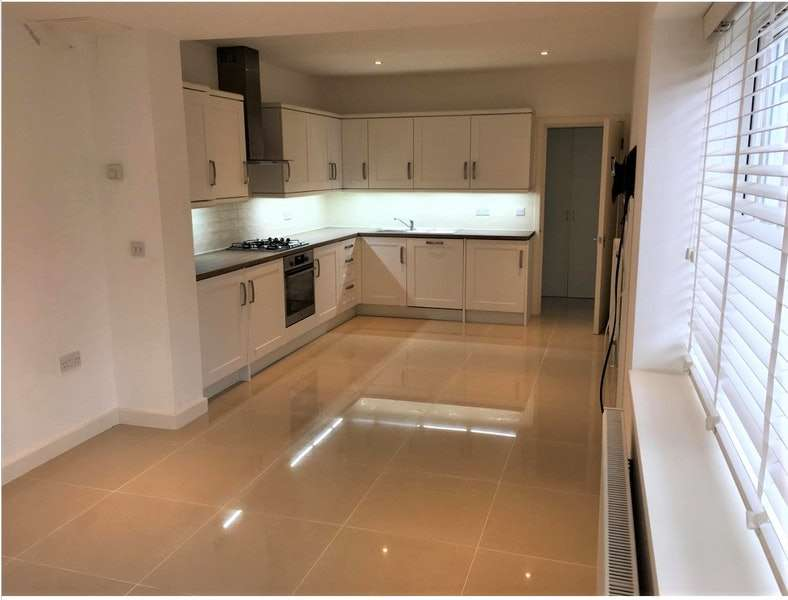 1 Bedroom Flat for sale in London Road, Leigh-on-Sea, Essex, SS9
