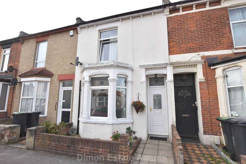3 Bedrooms Terraced House for sale in Woodstock Road, Gosport