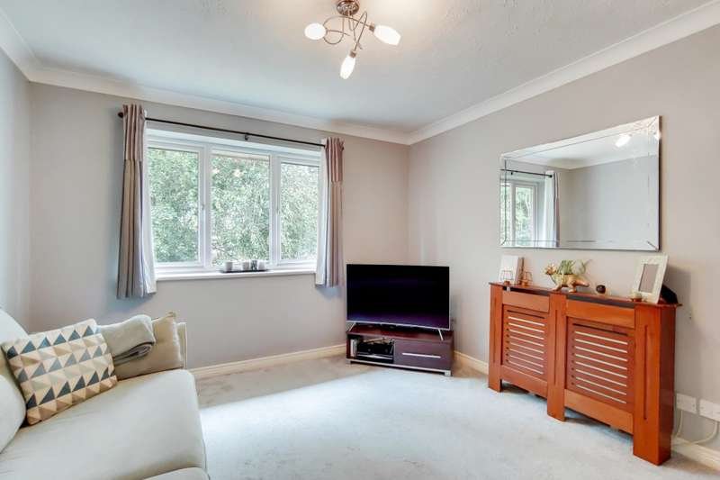 1 Bedroom Flat for sale in Merton Court, Church Road, Welling, DA16