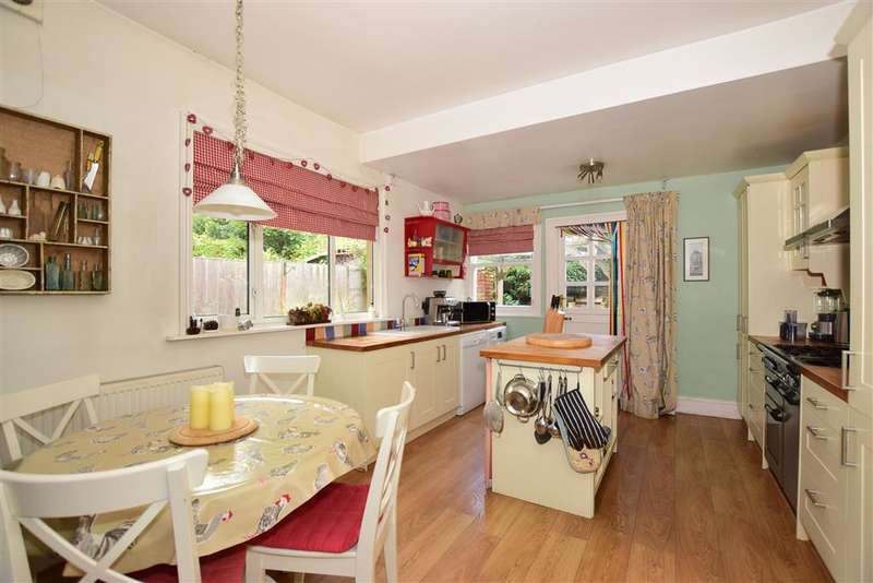 3 Bedrooms Semi Detached House for sale in Douglas Road, , Maidstone, Kent