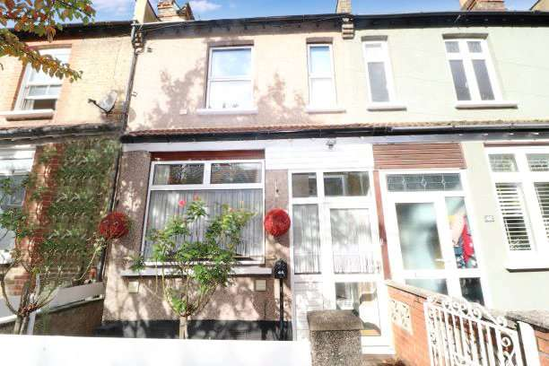 2 Bedrooms Terraced House for sale in Churchfields Road, Beckenham, BR3
