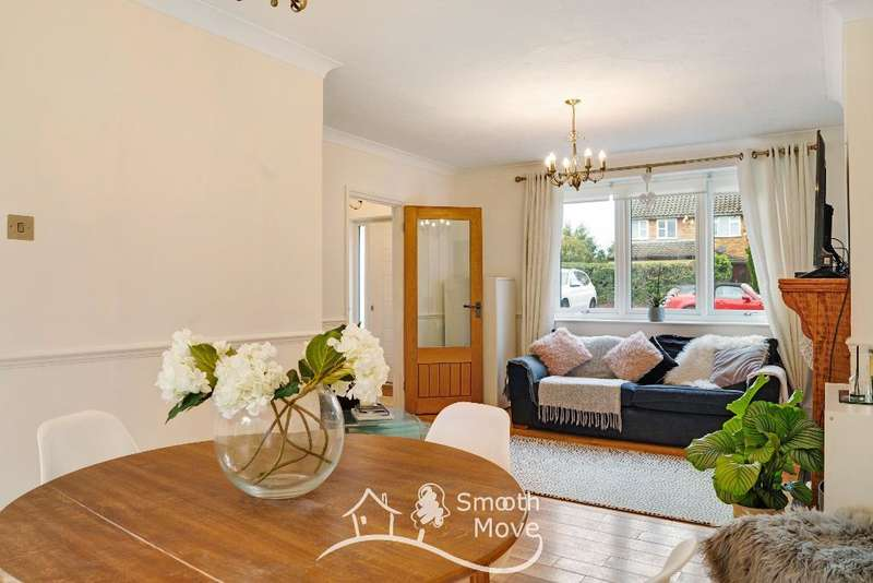 3 Bedrooms Semi Detached House for sale in Queenswood Ave, Hutton, Brentwood, Essex, CM13 1HU