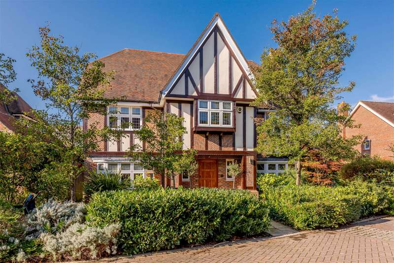 6 Bedrooms Detached House for sale in Limewood Close, Beckenham, BR3 3XW