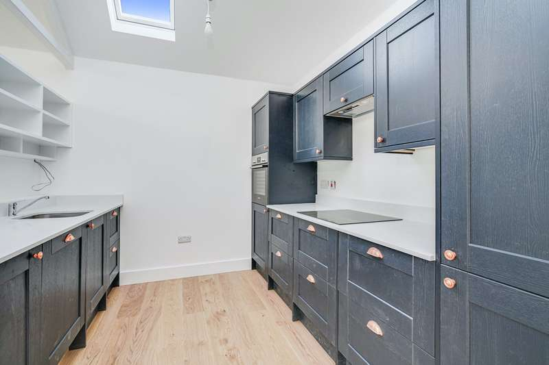 2 Bedrooms Terraced House for sale in Locarno Road, London, W3