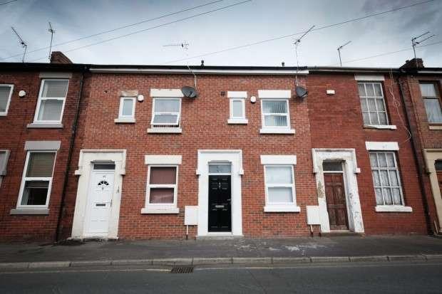 4 Bedrooms Terraced House for rent in Crown Street, Preston, PR1